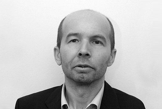 Bogdan Pavlic COO of Papercast, E-paper Digital Bus Stop Displays